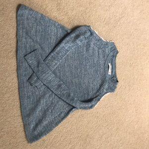 Abercrombie Kids cold shoulder shirt- size 11/12